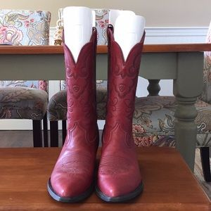 Women's 8.5 red ariat boots